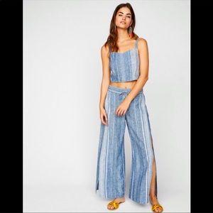 Express linen blend two piece set- blue medium NWT